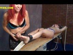 tickling f/f