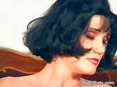 Gorgeous mature brunette fuck her wet