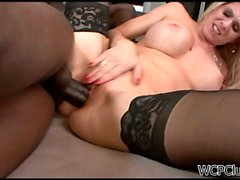 Cougar moans as she gets ploughed hard