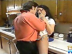 Tímidas branco brunette Babysitter do Gia Givanna está começ lambidos por