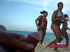knipperen in het strand