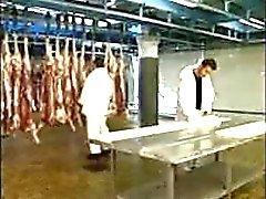 Italiaanse Milf met 2 Butchers