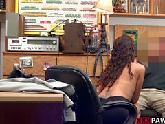 Pretty amateur babe gets screwed by pawn keeper