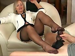 Mature avec du noir pantyhose Branlette avec pieds