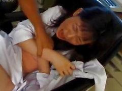 Model japanese audiovisuel infirmière est baisée orale et dans cooter par le Dr