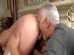Stud får en massage