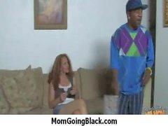 Огромная Черный Meat Войдя в возбужденный мама 25