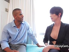 Short haired tranny jumping on cock