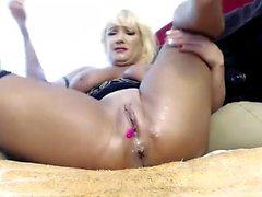 Hot Mogna Busty Blonde Cougar Boobs satsen