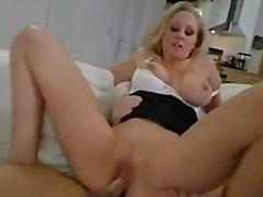 Julie Anne être une dame sexy de inconditionnelle