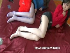 chinese gril foot show
