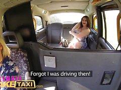 Féminin Fake Taxi Les tartes chaudes utilisent le concombre pour étirer