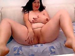 huge boobs milf flashing