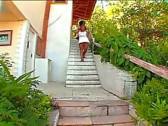 Mulatas - Poilue d'âge mûr et Gros Cul l'étudiante la chance type