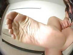 kayla puts her smelly feet on your face