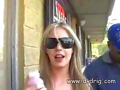 Gruppe von Geile Jungs Trick Mulden Blonde Haley Scotts bringen, ihnen Blasen For A Porno filme Die Rolle