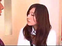 Heiße asiatische Schulmädchen mit einem luscious Esel nimmt ihren Lehrer '