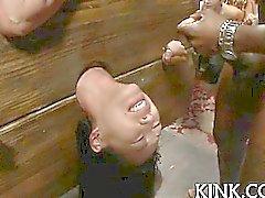 Söt heta tjej lidande vackra i hårt för slaveri