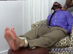 Tıraşı bacaklar porno filmler ve eşcinsel ayak parmağı orgazm tumblr Chase LaC