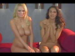 Hanna Hilton parle seins nus