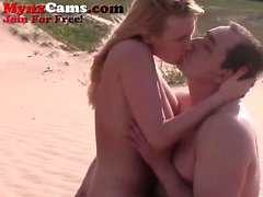 Hot Webcam Couple FUck On The Beach