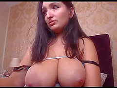 Breasty girlfriend plays breast milk live livecam