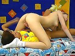 Doktora başrolündeki iki Eşcinsel gençler