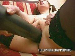 Mignon de Teen Pussy Swallow Huge batte de