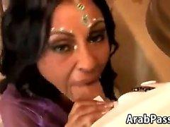 Stunning Große Brüste Arab Bride Riding Schwanz