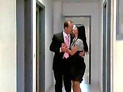 Comment épouser son patron ?