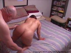 Big Butt Mexican MILF Obtém Ass Fucked