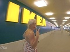 Sehr riskant PUBLIC 4K IKEA Shopping BLOWJOB, FICK und Cum Swallow