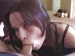Gotik chick Luder saugt zur Sperma