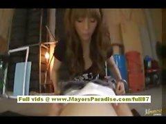 Nao Йошизаки сексуальная китайской модели раздвигает ноги показать киска