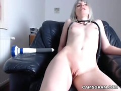 Hottest Kinky Tramp Stimulates Her Pussy