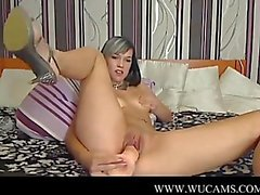 Squirting On Webcam grey-eyes want lesb