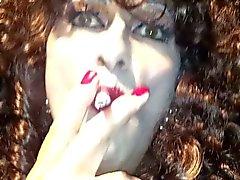 Sonia, smoking ts xxxx