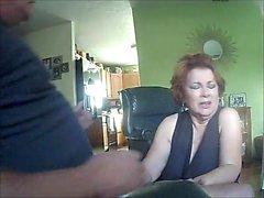 Rödhåran ger blowjob på webbkamera