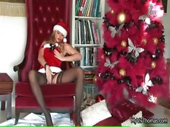 Super hottie babe taking her panties part4