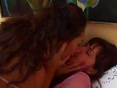 Latina lesbians Naomi and Penelopa get horny