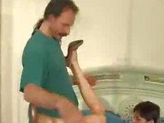 SB3 pappan att Spioner och knullar His Girl !