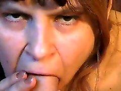 Ryskt charmig amatörer avsugning Genia ur 1fuckdatecom