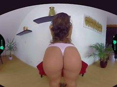 Vanessa Decker. Chech VR