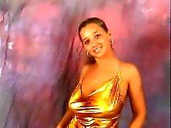 Version avec seins énormes rebond dance compilation