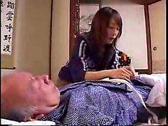 Omättligt Japansk hemmafru gör inga försök att motstå