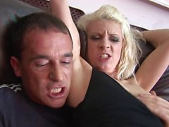 Superb bimbo orgasms whuile the jumbo banana ravishes her twat