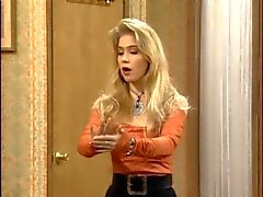 Christina Applegate como Kelly Bundy