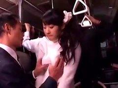 Japon halk otobüsü oral seks ve sikme