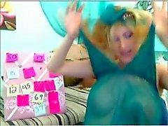 blonde preggo wiht big boobs in webcam