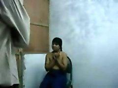 Bengalí Raand chantajeando de cliente para el sexo